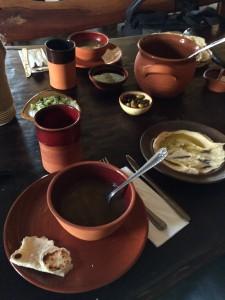 Le repas servi au Nazareth Village, le traditionnel Houmous