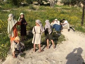 Tournage dans le jardin de Nazareth Village